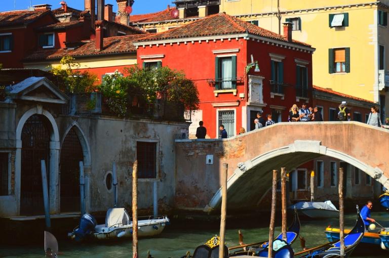 venice canal gondola italy italia colorful houses architecture bridge travel photography