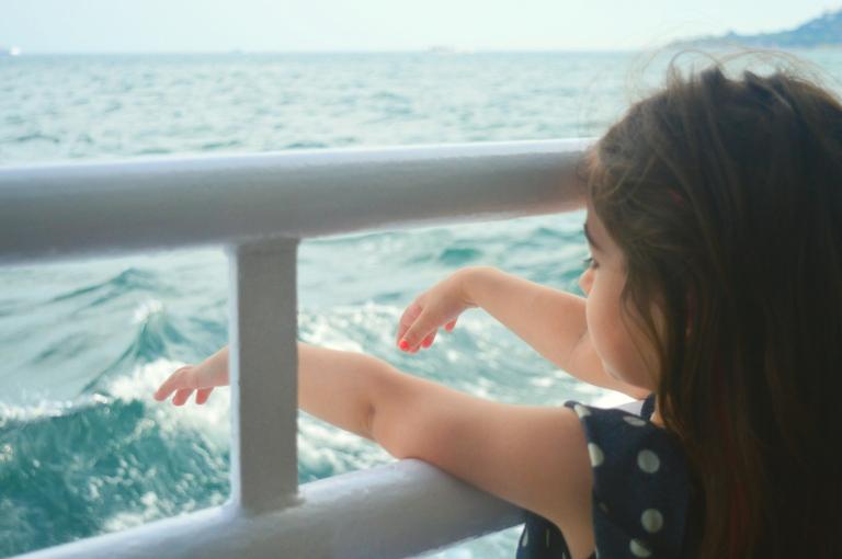 little girl bosphorus istanbul photography canan çetin sea childhood courage