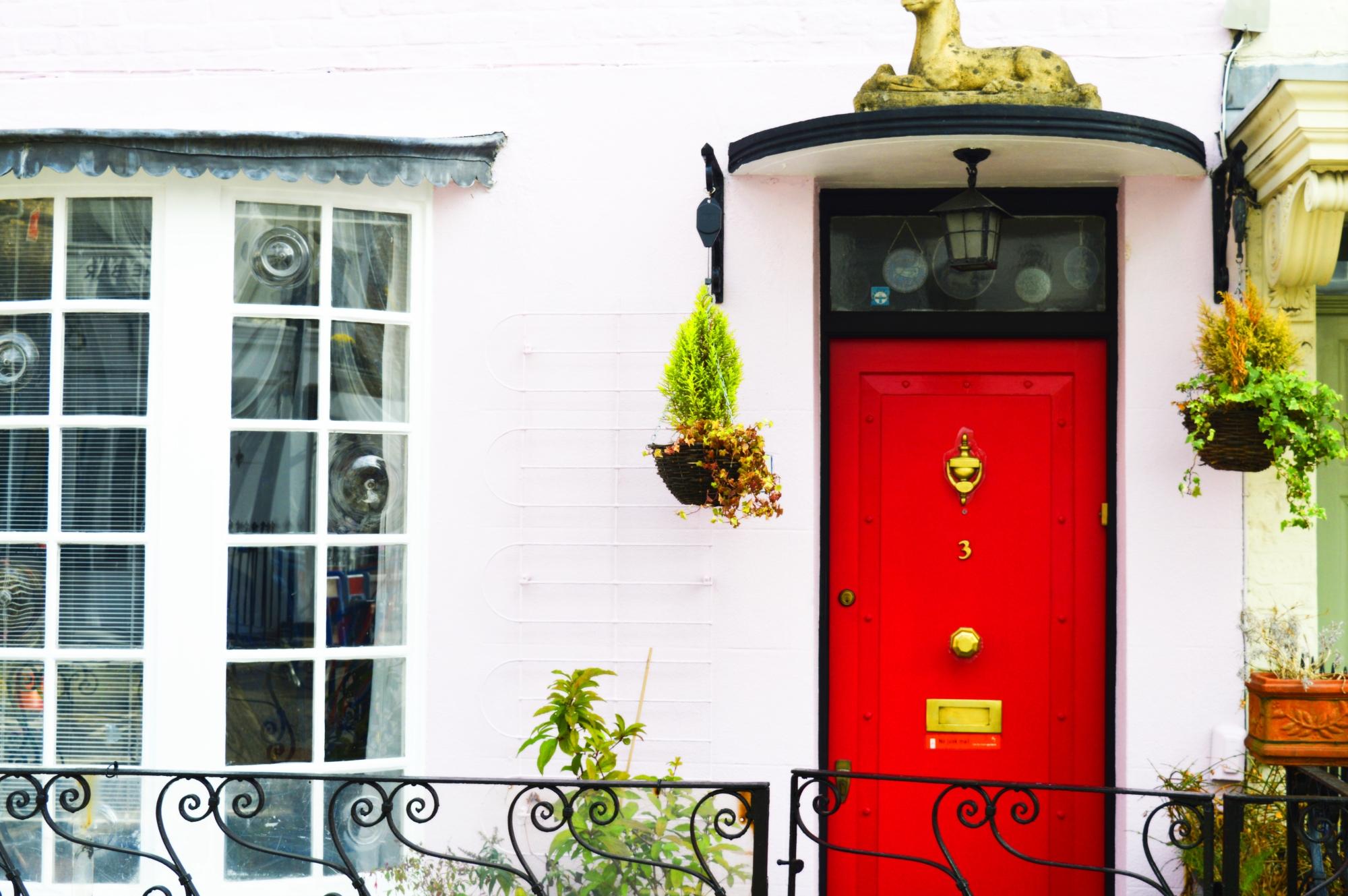 red door la porta rossa notting hill streets random portobello england london united kingdom uk canan çetin